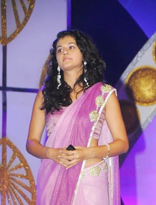 Taapsee Hot Navel Show in Rose Saree Stills