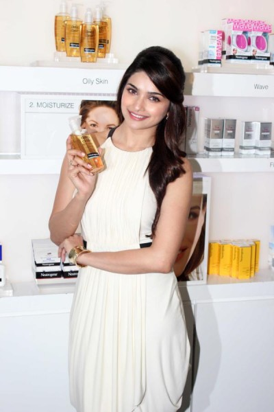 Prachi Desai launch Nutrogenas latest photo shoot