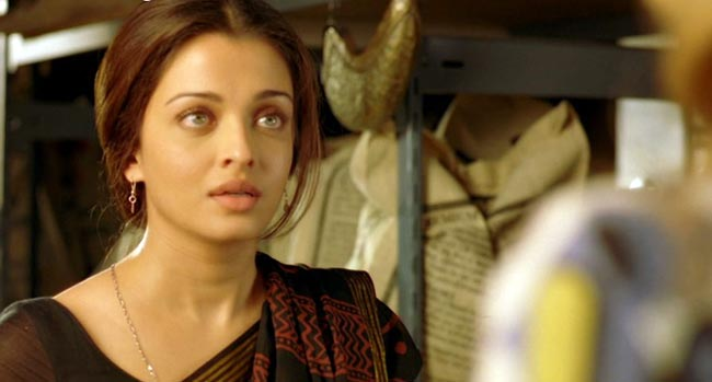 Bollywood Actress Aishwarya Rai Innocent Photos Photoshoot images