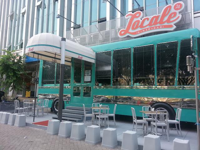 Eat travel repeat locale 24 diner bar pik for Food bar pik