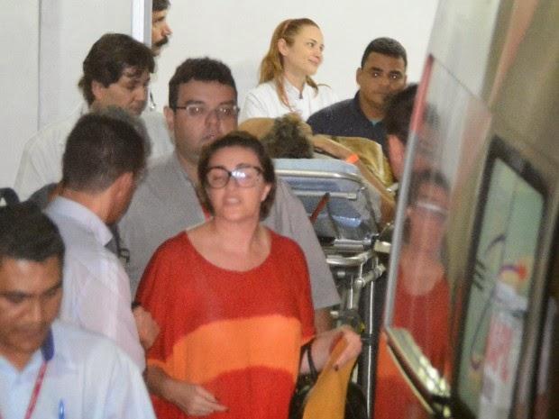 Angélica e Huck são transferidos de MS para SP após acidente aéreo