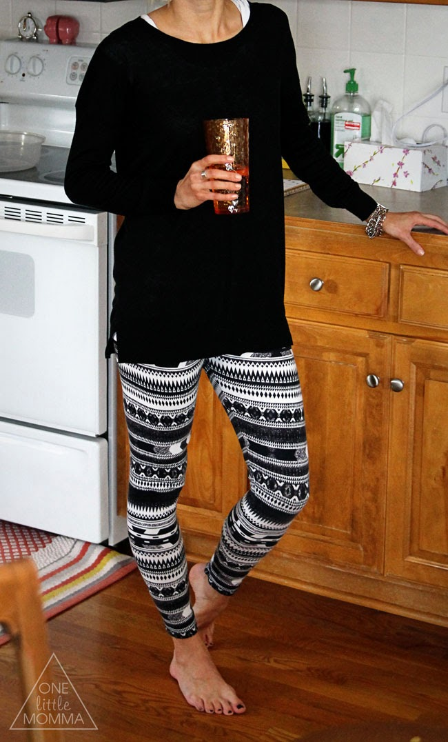 Printed leggings, tunic sweater