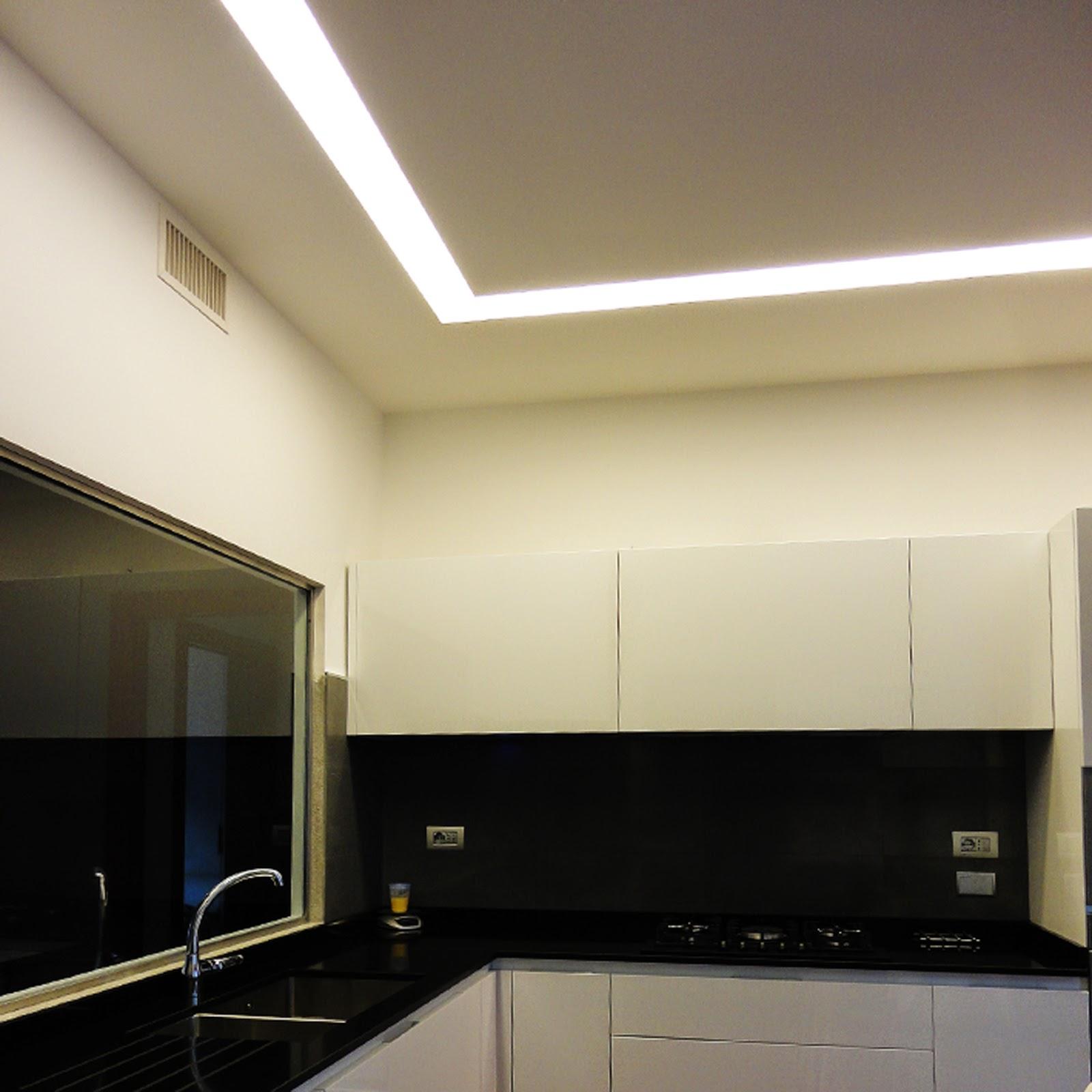 per tagli di luce a soffitto a scomparsa grazie anche ad un sistema di ...