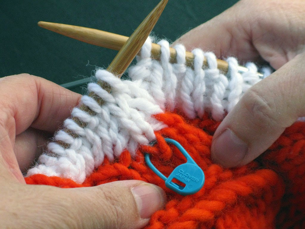 Knitting Picking Up Stitches Neckband : Knitting and More: Knit 1 Purl 1 Rib Neckband for a V-neckline