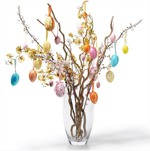 A tree with Easter eggs