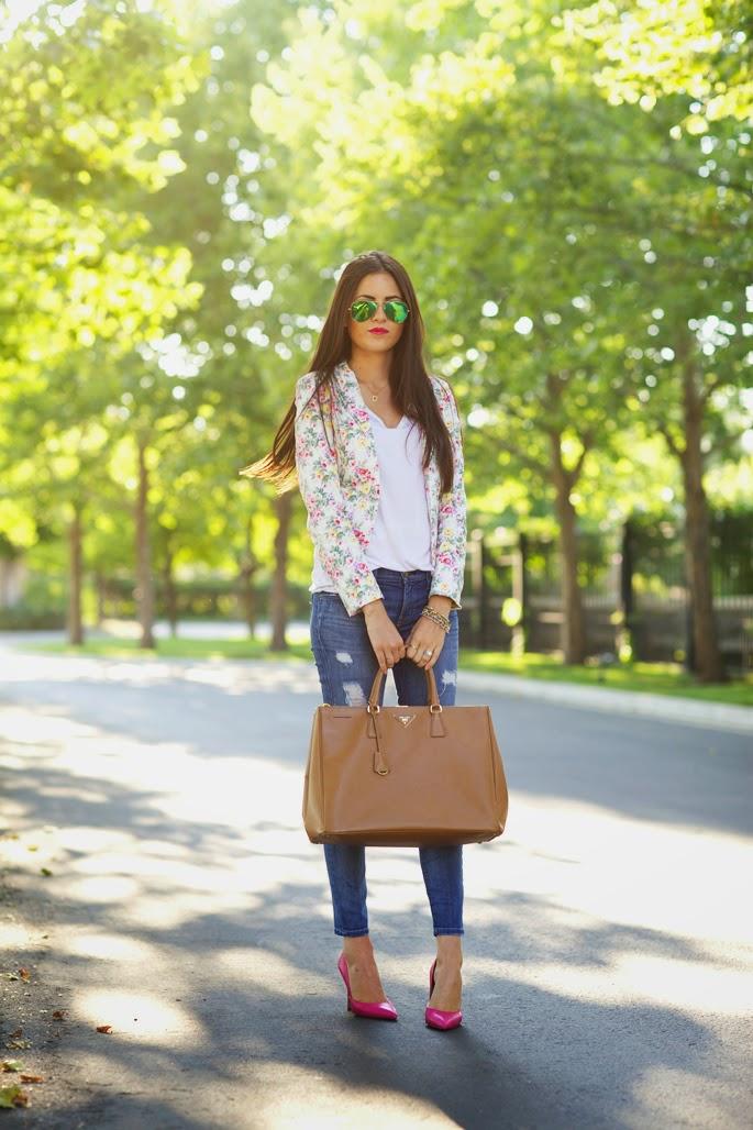 roupas da moda, calça feminina jeans com blazer floral moda feminina