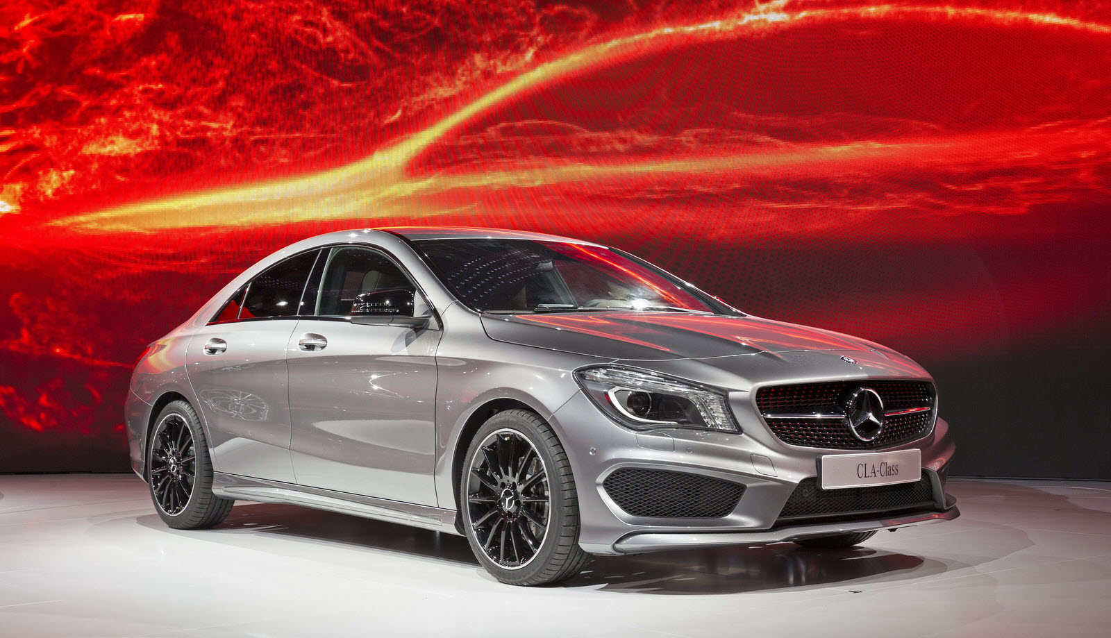updated first mercedes benz cla rolls off the. Black Bedroom Furniture Sets. Home Design Ideas