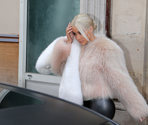 Kim Kardashian goes for a lighter white blonde hair colour!