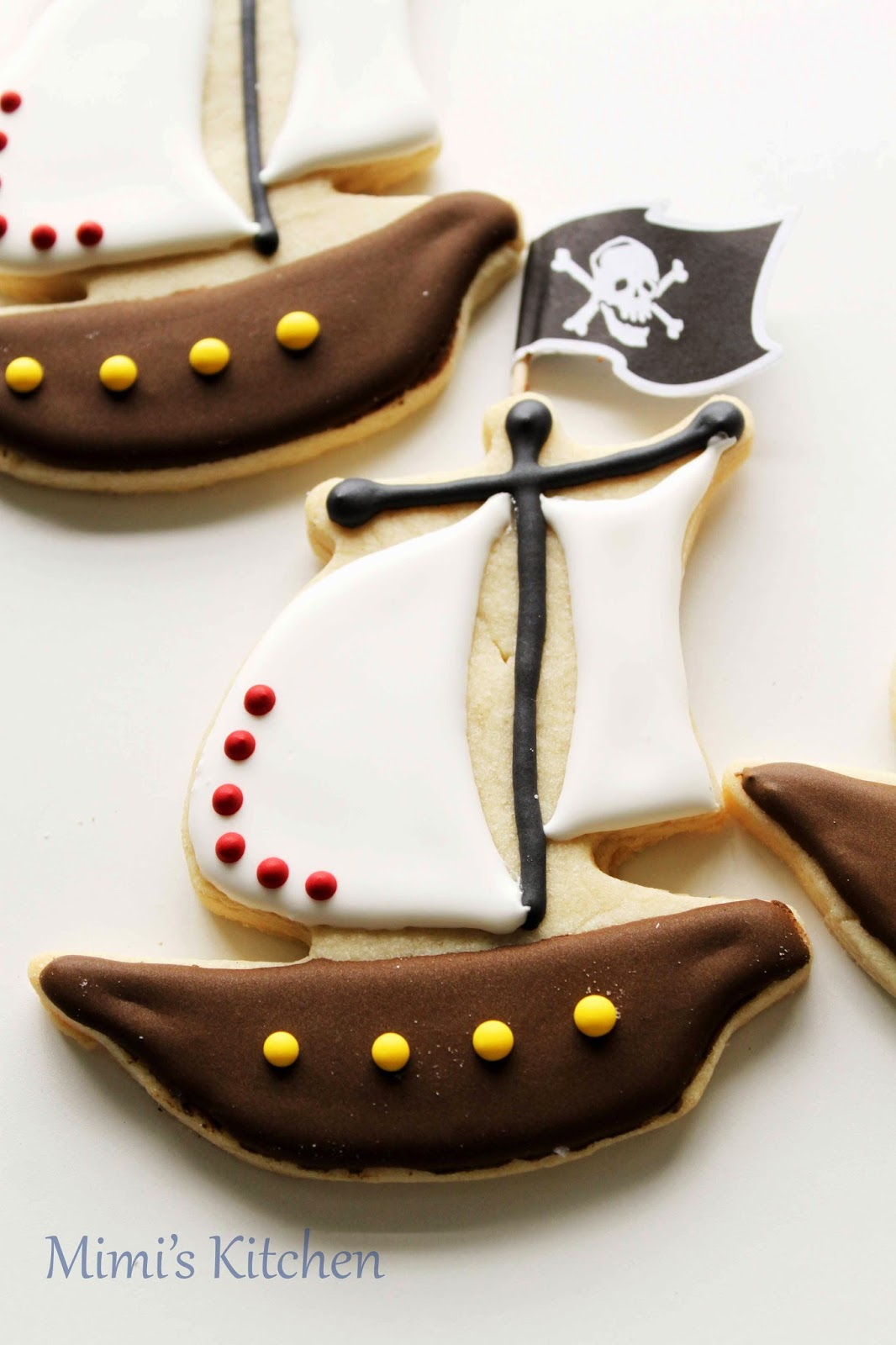 Mimi\'s Kitchen: Pirate Cupcakes and Cookies