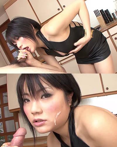 image Chica asiática chupa una polla peluda con un condón