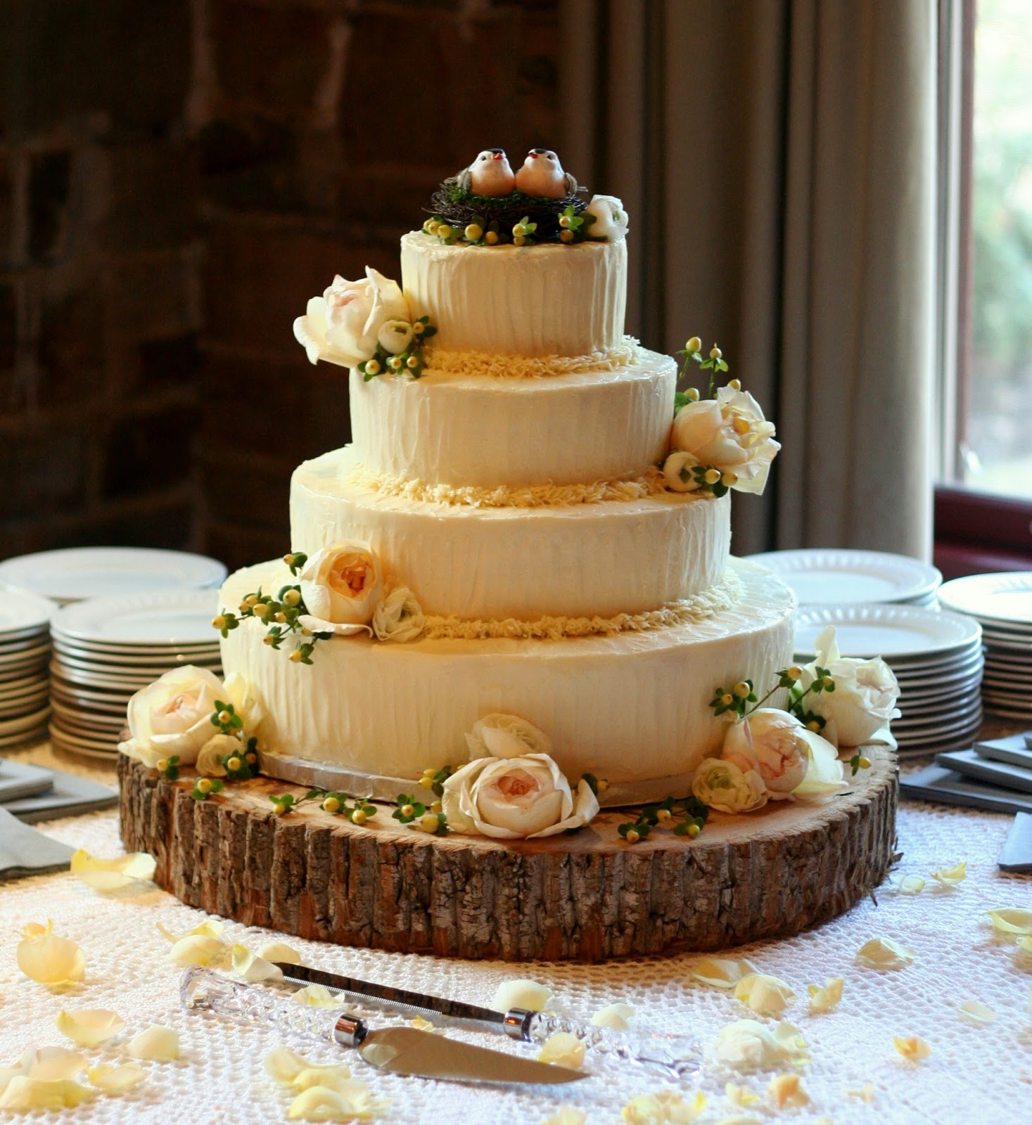 Cake Designs For Wedding : 6 Stunning Rustic Wedding Cake Ideas - Wedding Cakes