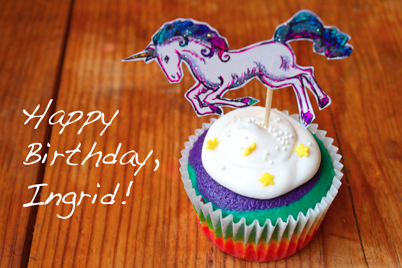 Unicorn Rainbow Cupcakes title=