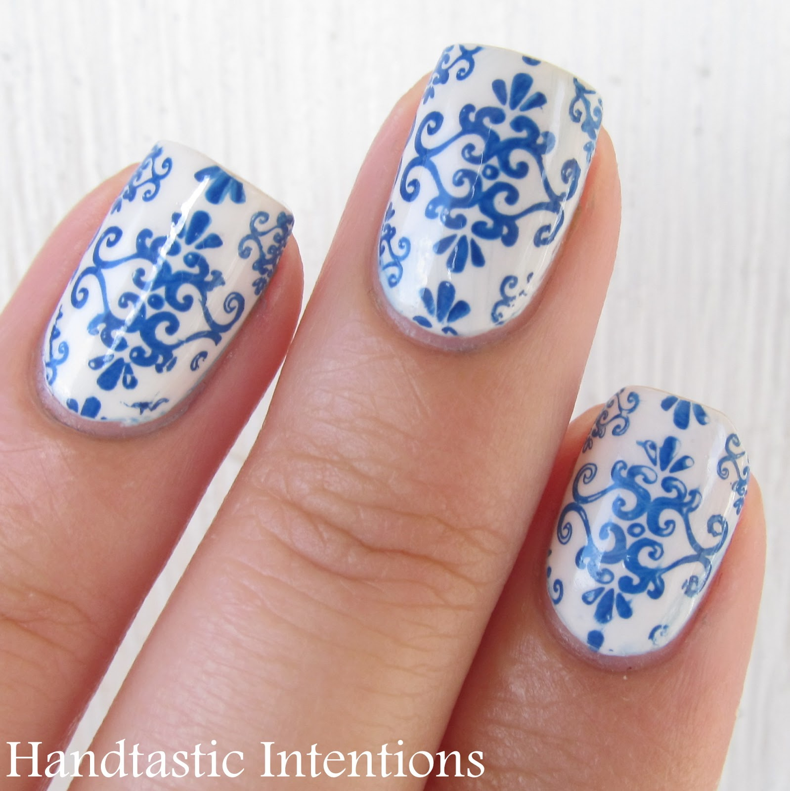 White Nail Art: Handtastic Intentions: Nail Art: Blue And White Ceramics
