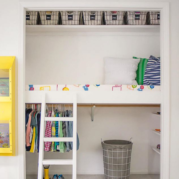 Use baskets in kids' rooms