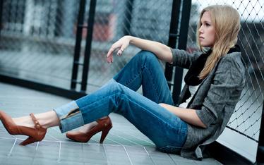 girl in jeans | girl in skutt | sexy girl |   nice pics
