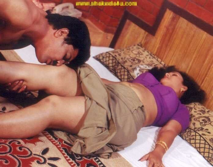 Mallu Devika Removing Blue Blouse Hot Movie Masala Se Malay Aunty
