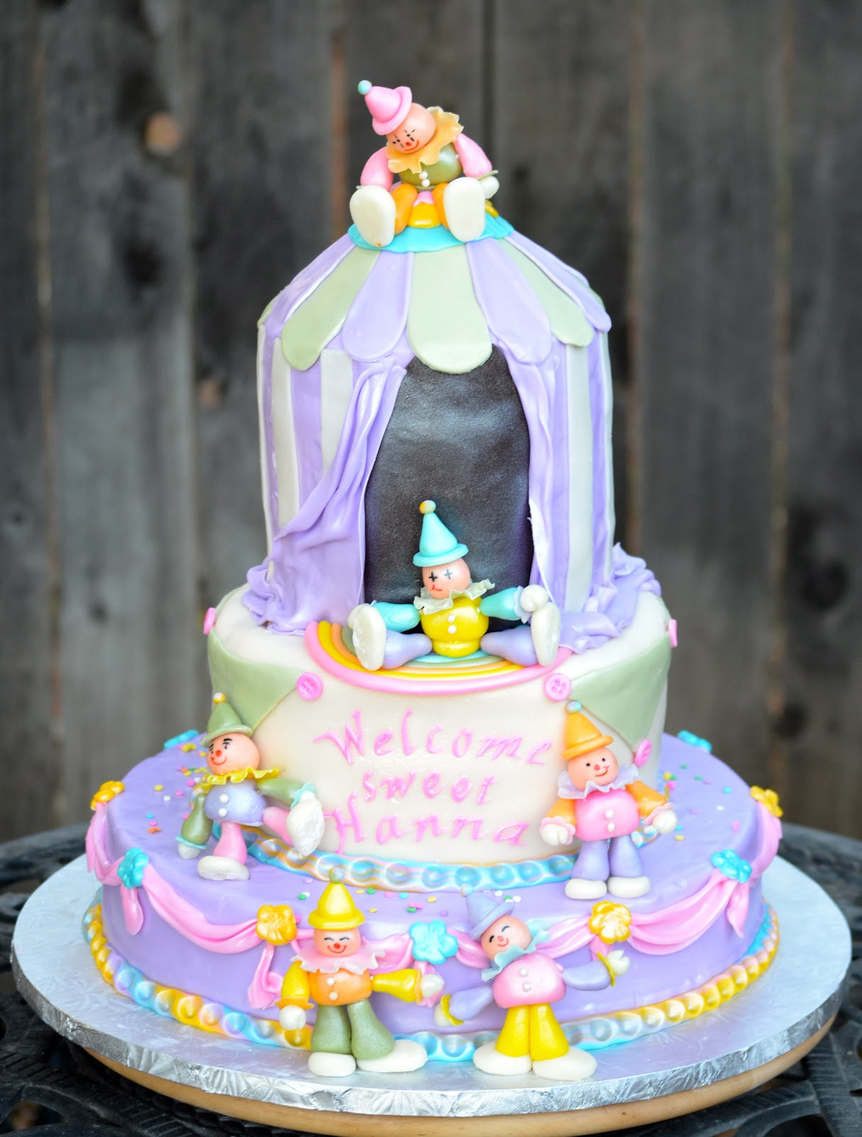 traylor made treats circus theme baby shower cake