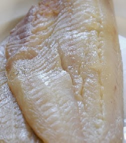 how to poach fish fillets in water