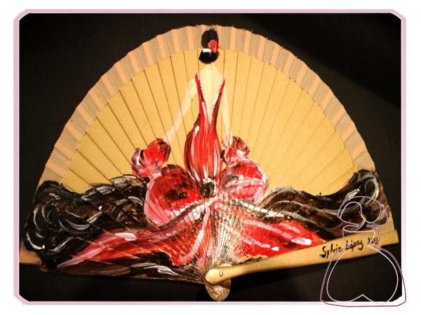 Abanico pintado a mano modelo Flamenca realizado por Sylvia Lopez Morant