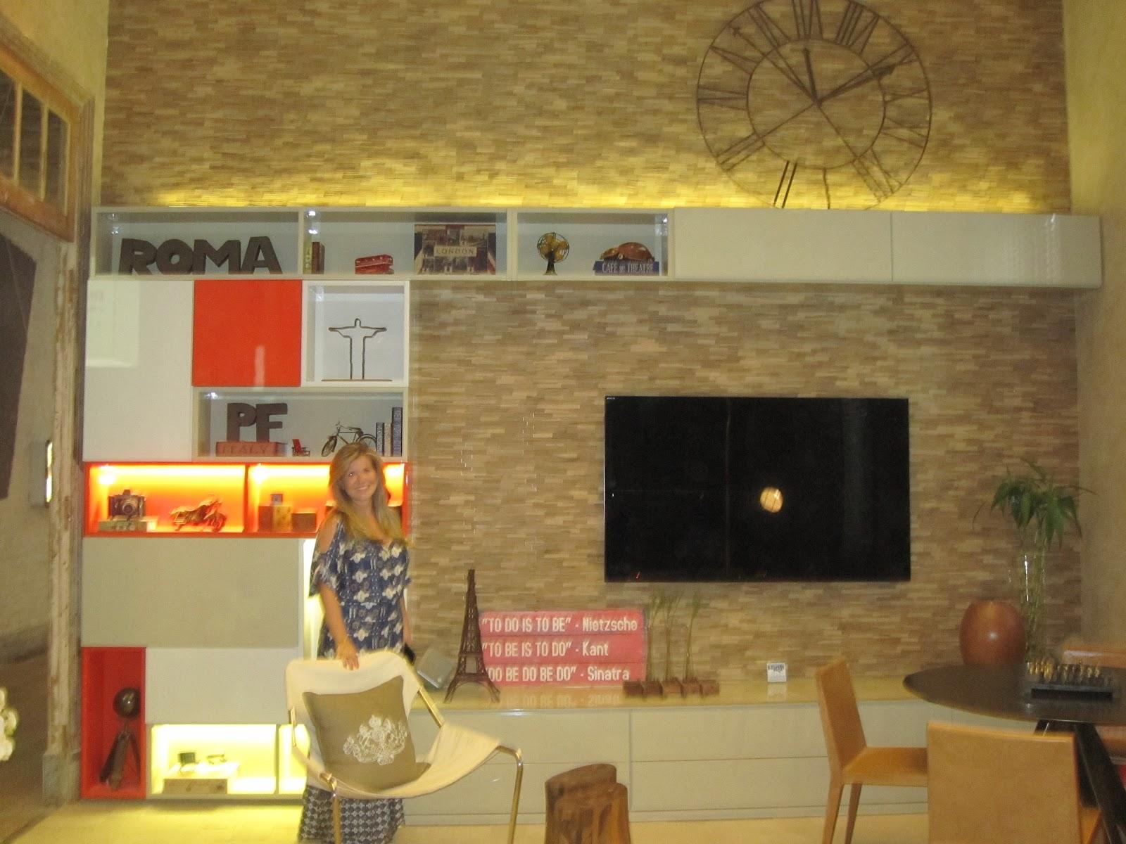 #B23819 Patrícia Fiúza no seu Hostel Boutique com estante inspirada em  1886 Janela De Aluminio Rudge Ramos