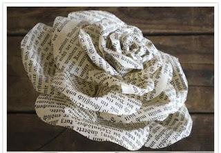 ดอกกุหลาบประดิษฐ์จากกระดาษทำเองง่าย ๆ สร้างความประทับใจคนพิเศษ