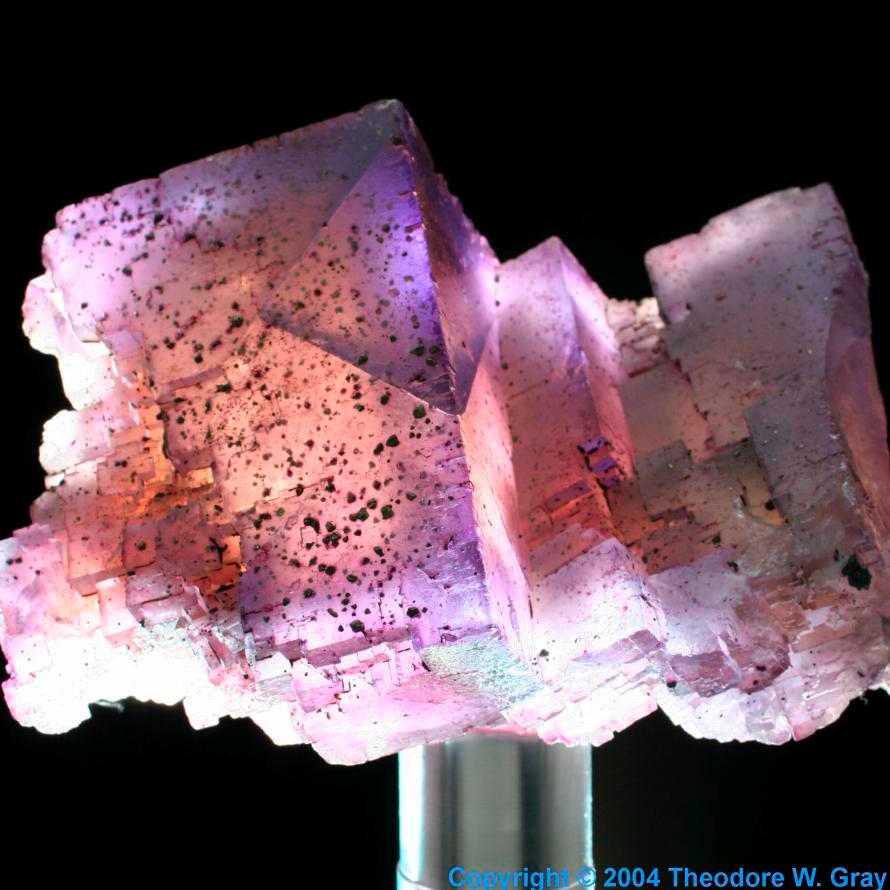 El blog de brbara elemento 9 flor la fluorita es un mineral compuesto de calcio y flor caf2 las impurezas de hidrocarburos manchan el centro de amarillo urtaz Choice Image