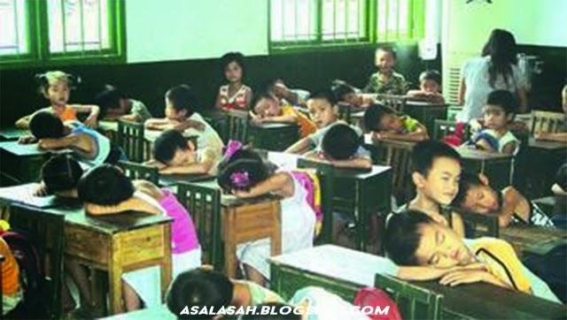 http://asalasah.blogspot.com/2015/01/sekolah-aneh-tertidur-pada-jam.html