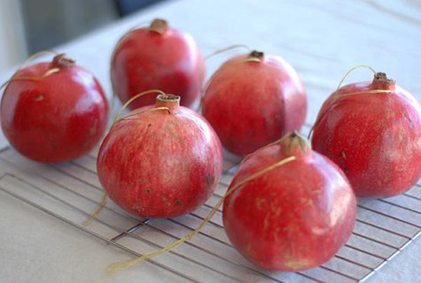 decorar con granadas naturales navidad cenas almuerzos -secar granadas