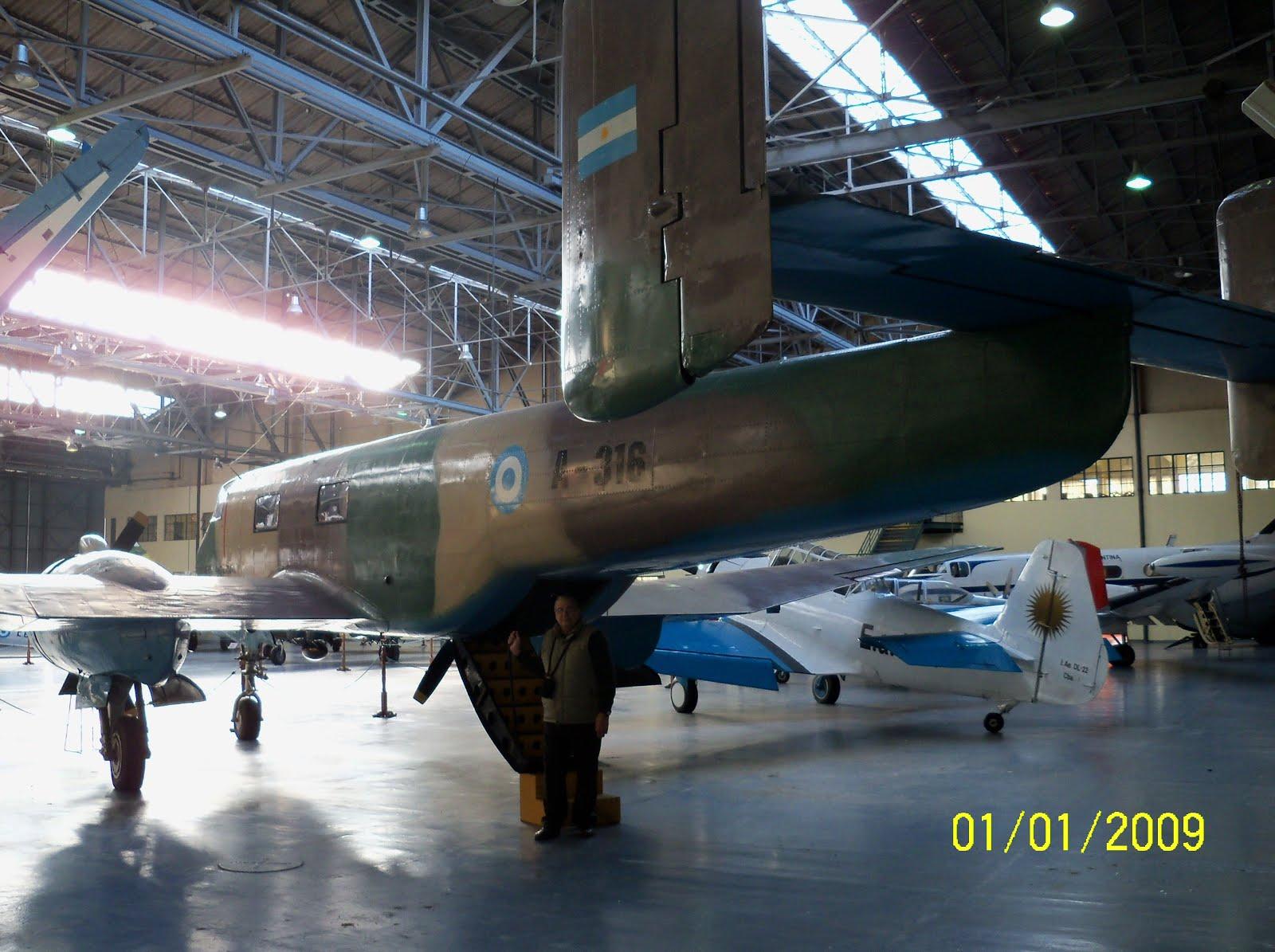 Con el IA-35 Huanquero (Museo Aeronaútico)