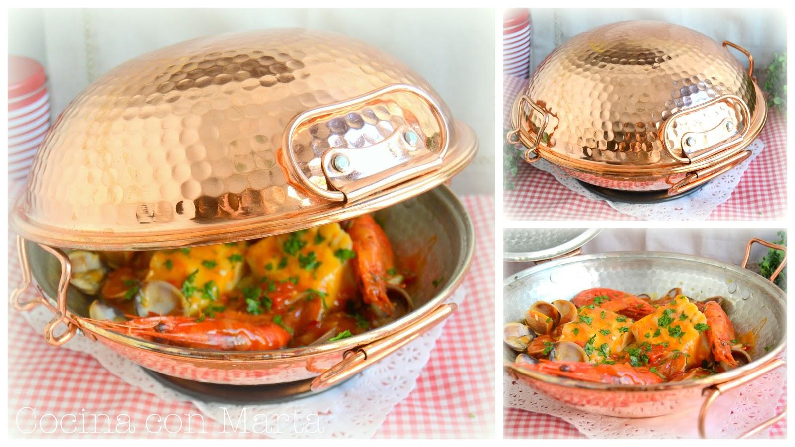 Cataplana de bacalao con almejas, carabineros y salsa marinera. Receta especial para Navidad, fiestas. Fácil, rápido y casero.