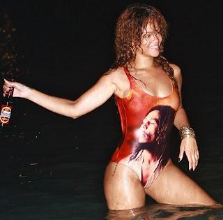 Gossip // Rihanna Rend Hommage A Bob Marley