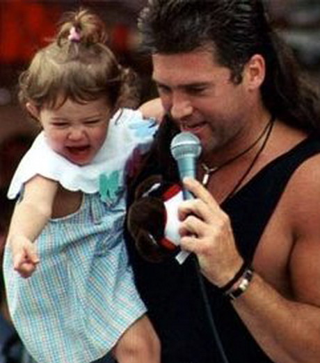 Майли сайрус и ее ребенок фото