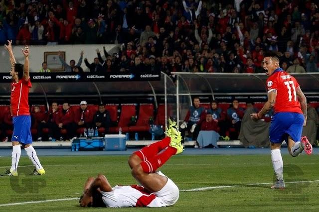 Chile vence Peru e fica próximo de titulo inédito.