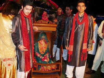 Interior design decorating ideas mehndi bride fairytale for Dulhan bed decoration
