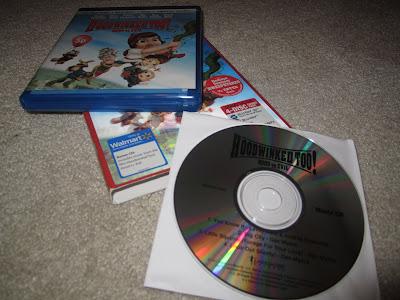 VA-Hoodwinked_Too_Hood_Vs_Evil_(Bonus_CD)-2011-0MNi