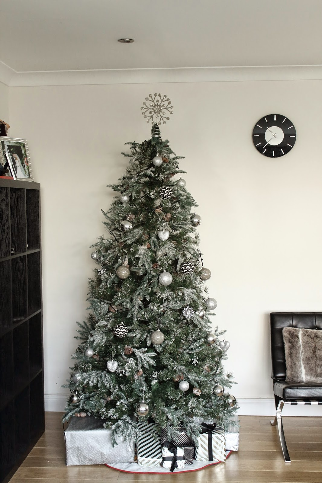 I used to go a bit OTT with Christmas decorations but this year I decided  less is more. I've also realised that I seem to go for a more glamorous  look every ...