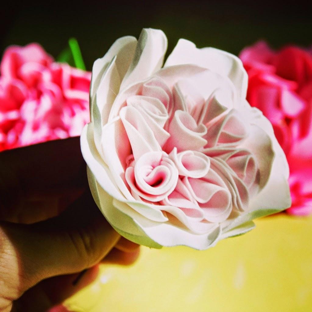 Цветы из фоамирана своими руками: мастер-класс для начинающих