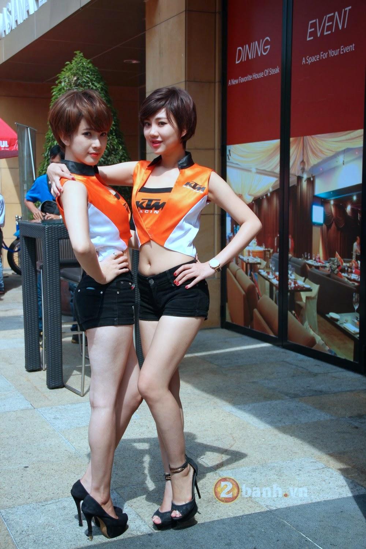 Ngắm gái xinh tại ngày hội siêu môtô|raw