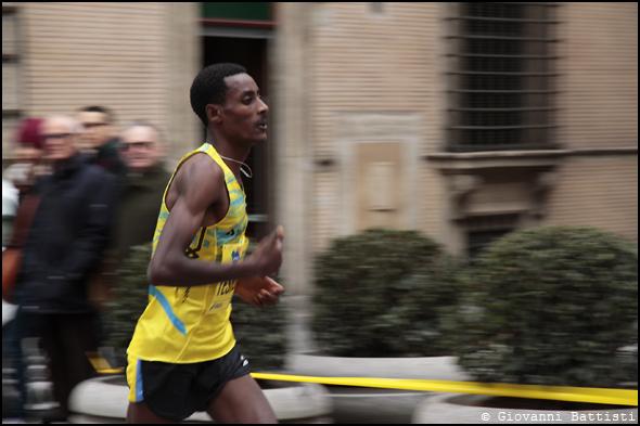 Fotografia di Teshome Cheru Meghesa alla Maratona di Roma 2013