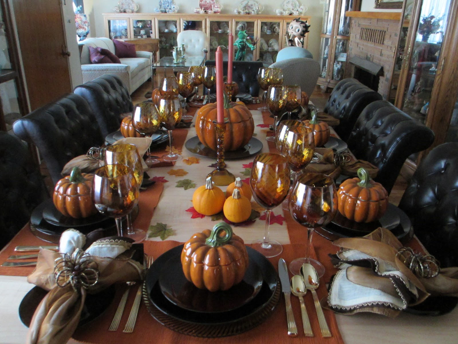 The Welcomed Guest: Thanksgiving - Formal Tablescape