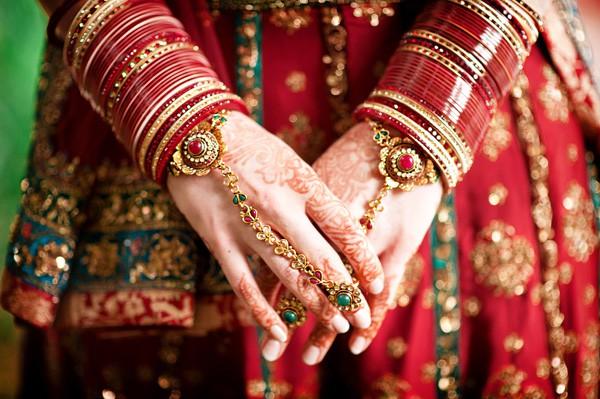Most beautiful indian brides hands Dp 2016