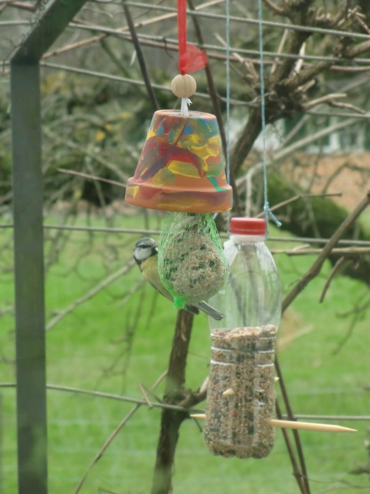 Die Gute Pfarrfrau Vogelfutterstationen