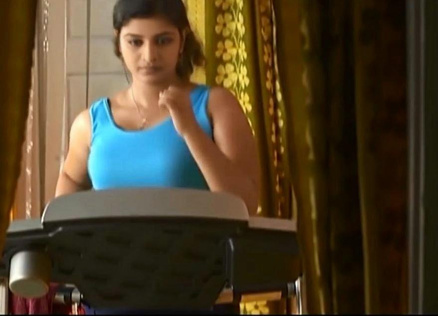 Parasparam Serial Actress Gayathri (Deepthi) - YouTube
