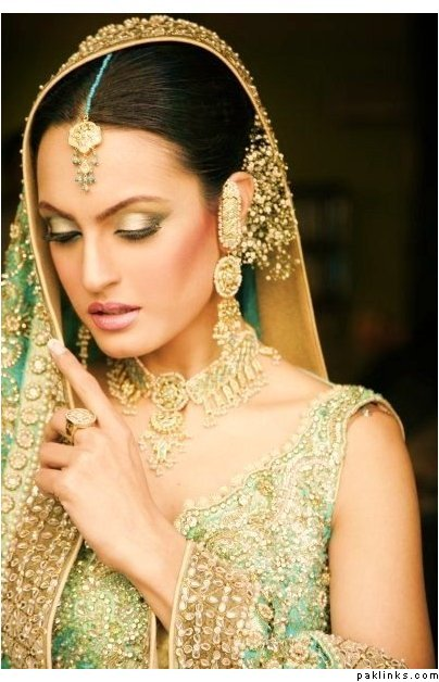 Aeisha Varsey Bridal Fashion Collection