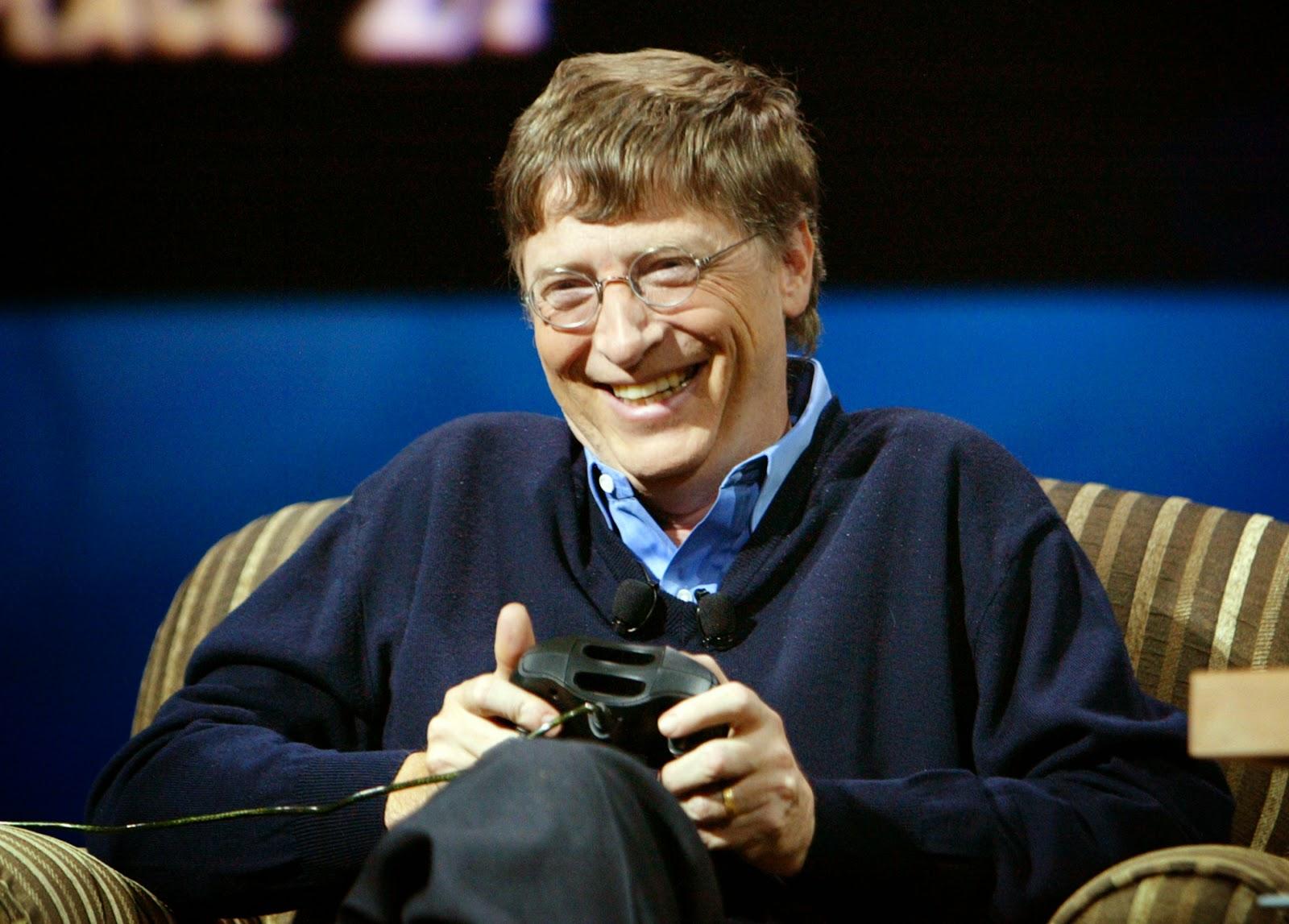 """Tỉ phú Bill Gates chia sẻ """"sống thoải mái"""" với 2 đô la mỗi ngày"""