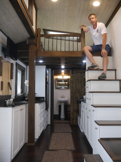 A Luxury Tiny House On Wheels And Its Fully Off Grid Capable