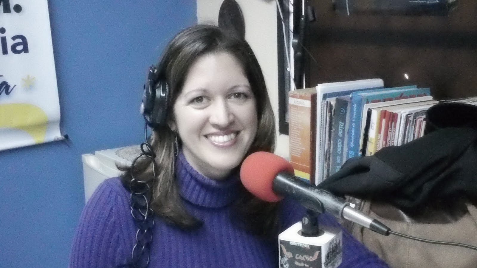 Mujeres con Pantalones Radio.