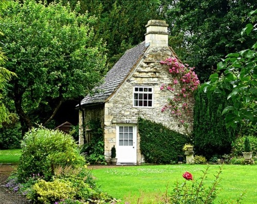 European Stone House Cottage Farm Cute Cabin