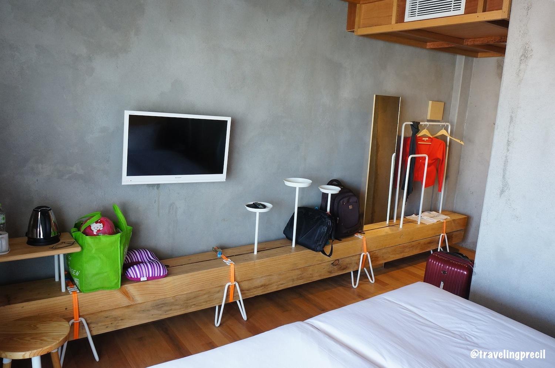 Review hotel greenhost yogyakarta traveling precils for Dekor kamar hotel