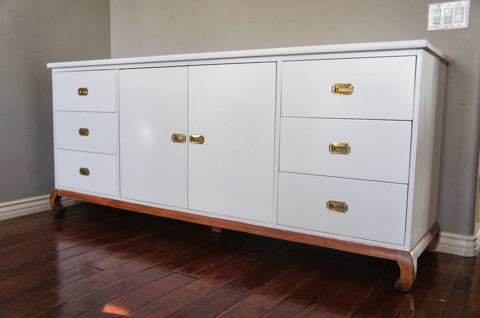European Paint Finishes White Lacquer Console